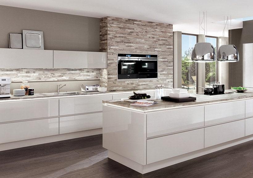 Hochglanz-Küchen
